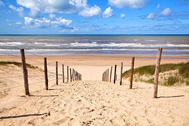 Unieke kans strandpaviljoen te koop te Zandvoort aan Zee