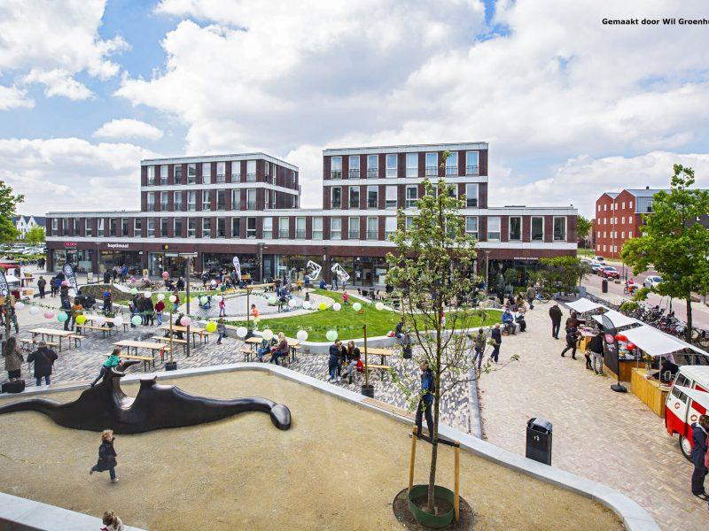 Horecaruimte met mooi terras in het wijkwinkelcentrum Vathorst te Amersfoort