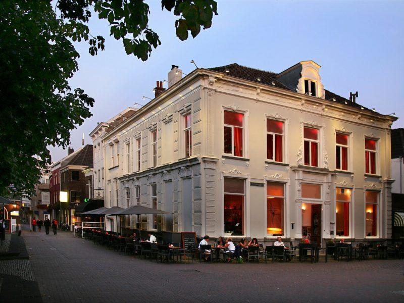 Horecaruimte in monumentaal pand aan het horecaplein in Arnhem